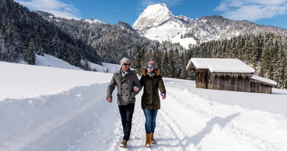 Winter-hiking-und-Snow-shoe-hiking